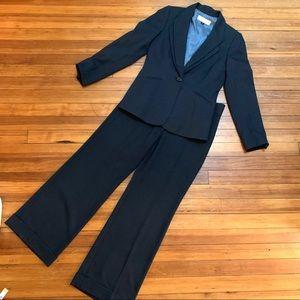 Tahari Arthur Levine blue dbl lapel blue suit 4P